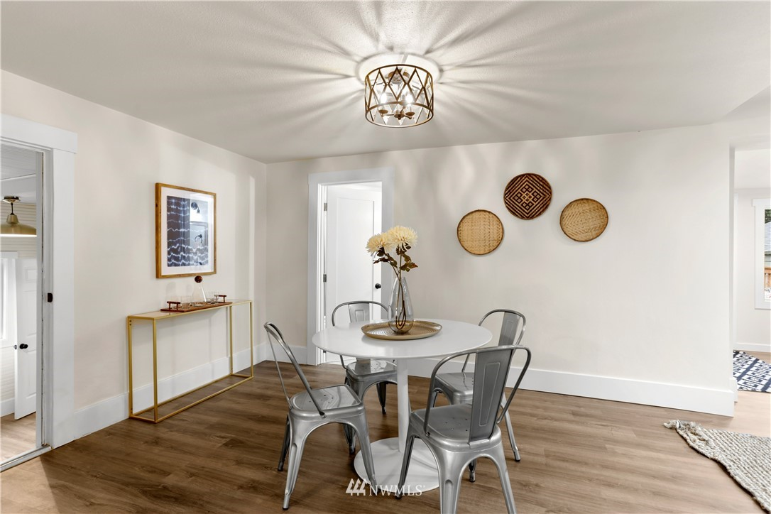 Sold Property   9047 37th Avenue S Seattle, WA 98118 7