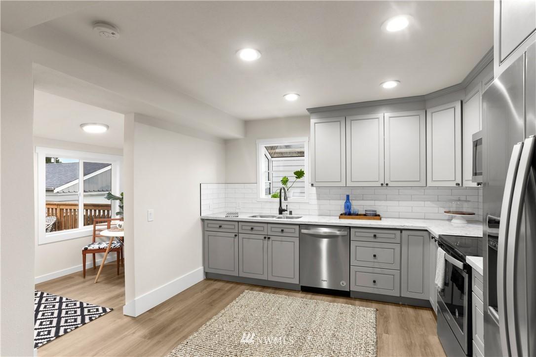 Sold Property   9047 37th Avenue S Seattle, WA 98118 10