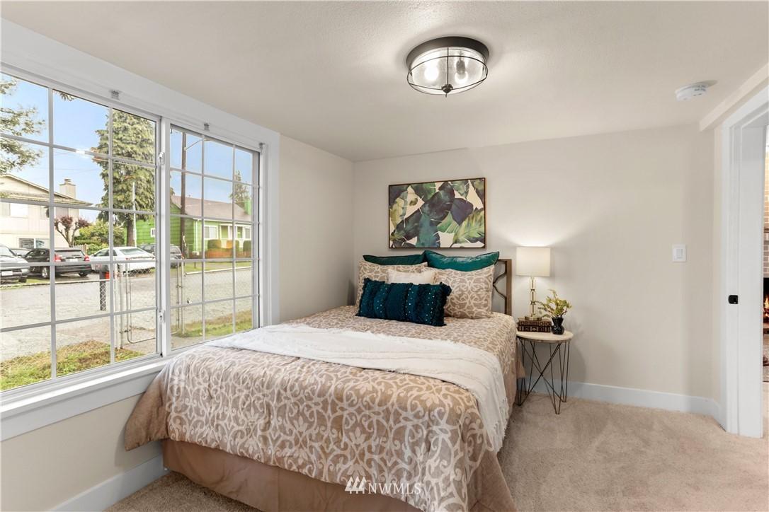 Sold Property   9047 37th Avenue S Seattle, WA 98118 14