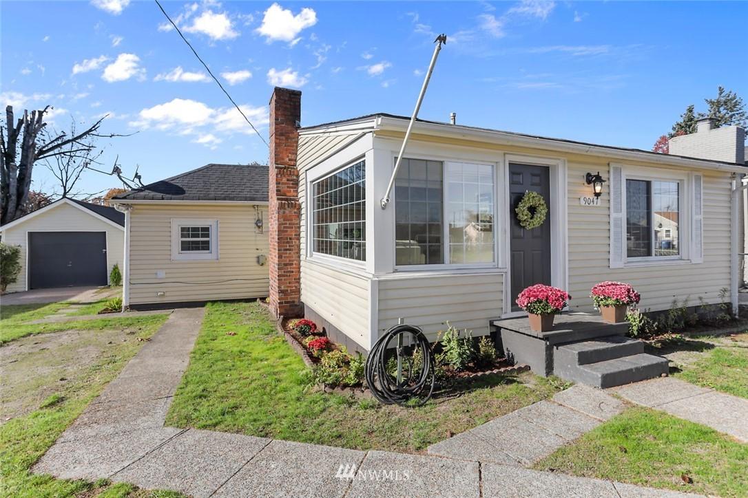 Sold Property   9047 37th Avenue S Seattle, WA 98118 2