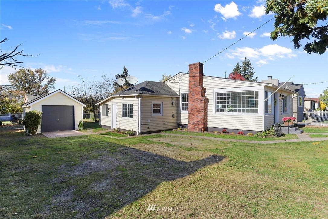 Sold Property   9047 37th Avenue S Seattle, WA 98118 21