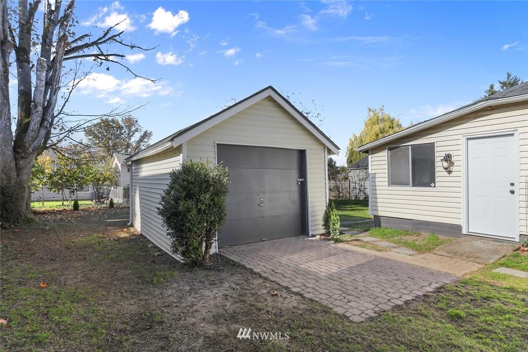 Sold Property   9047 37th Avenue S Seattle, WA 98118 22