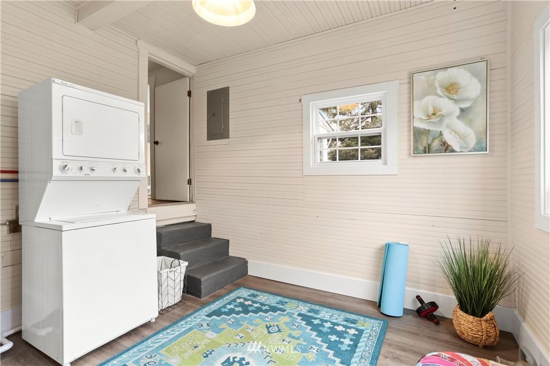 Sold Property   9047 37th Avenue S Seattle, WA 98118 19