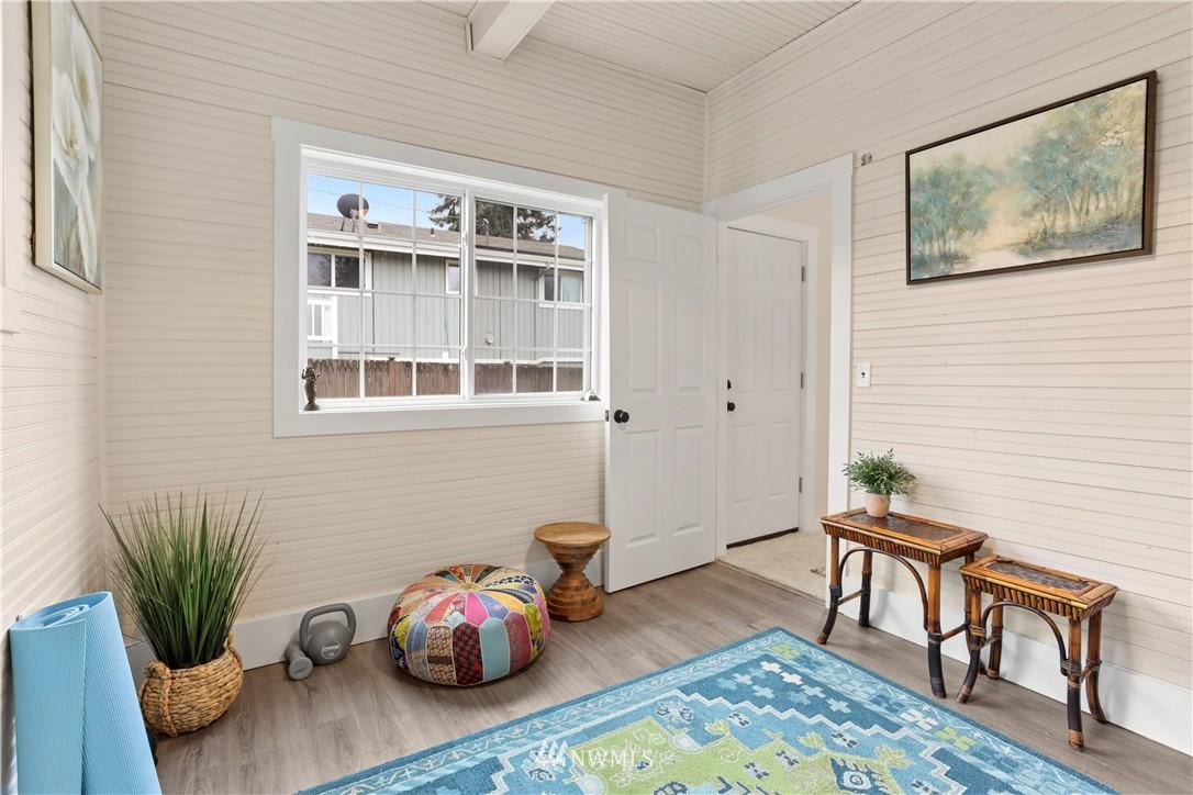 Sold Property   9047 37th Avenue S Seattle, WA 98118 20