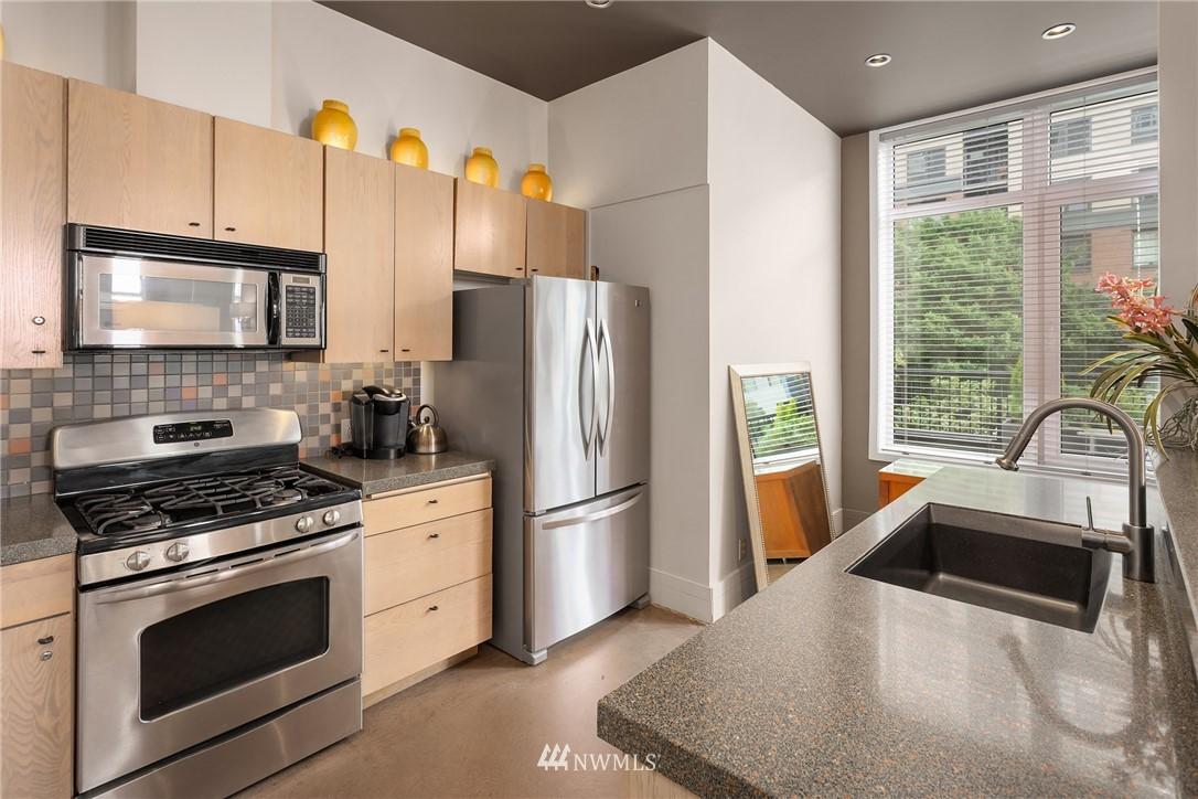 Sold Property | 2801 1st Avenue #513 Seattle, WA 98121 6