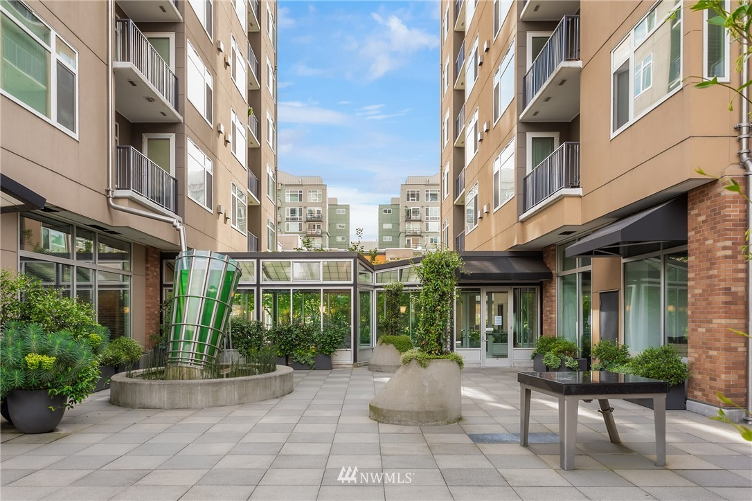 Sold Property | 2801 1st Avenue #513 Seattle, WA 98121 9
