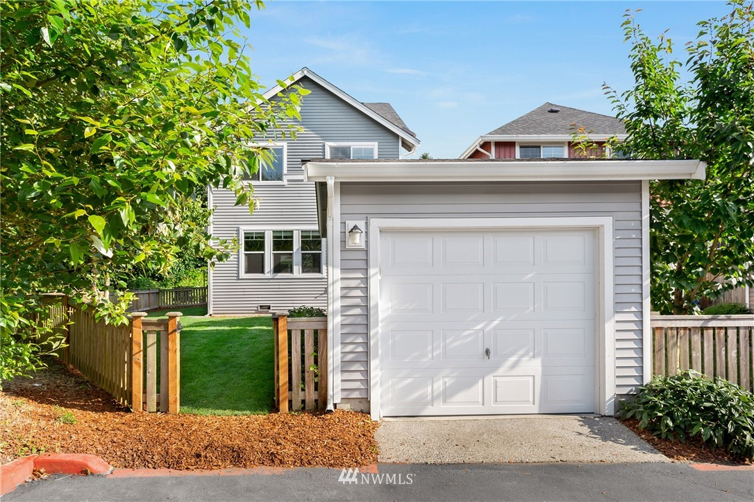 Sold Property | 6460 High Point Drive SW Seattle, WA 98126 23