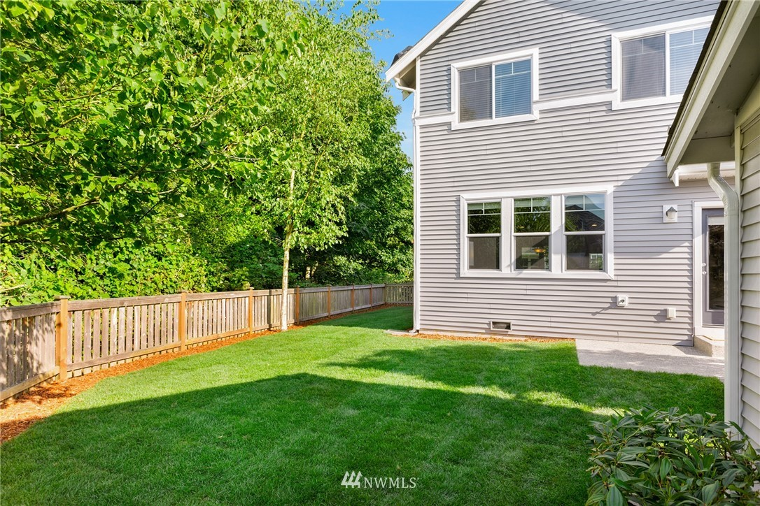 Sold Property | 6460 High Point Drive SW Seattle, WA 98126 25
