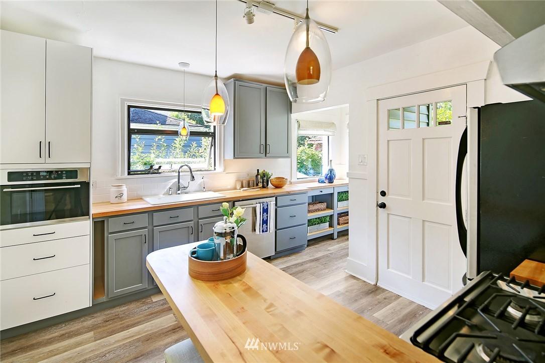 Sold Property | 1423 33rd Avenue Seattle, WA 98122 7