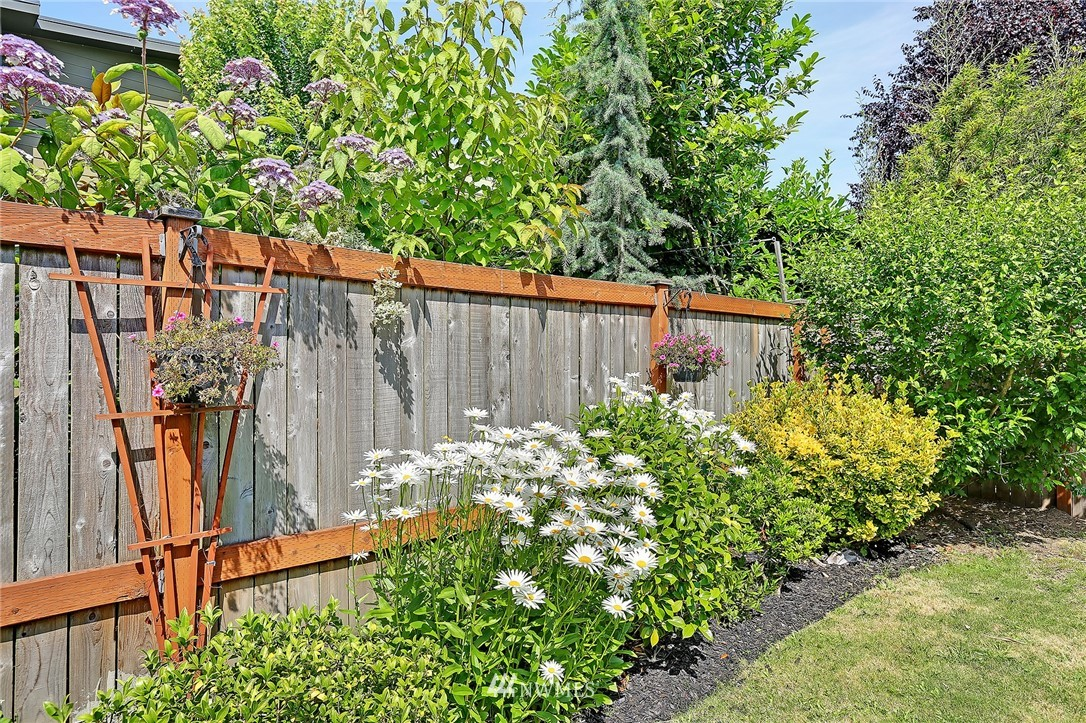 Sold Property | 1423 33rd Avenue Seattle, WA 98122 25