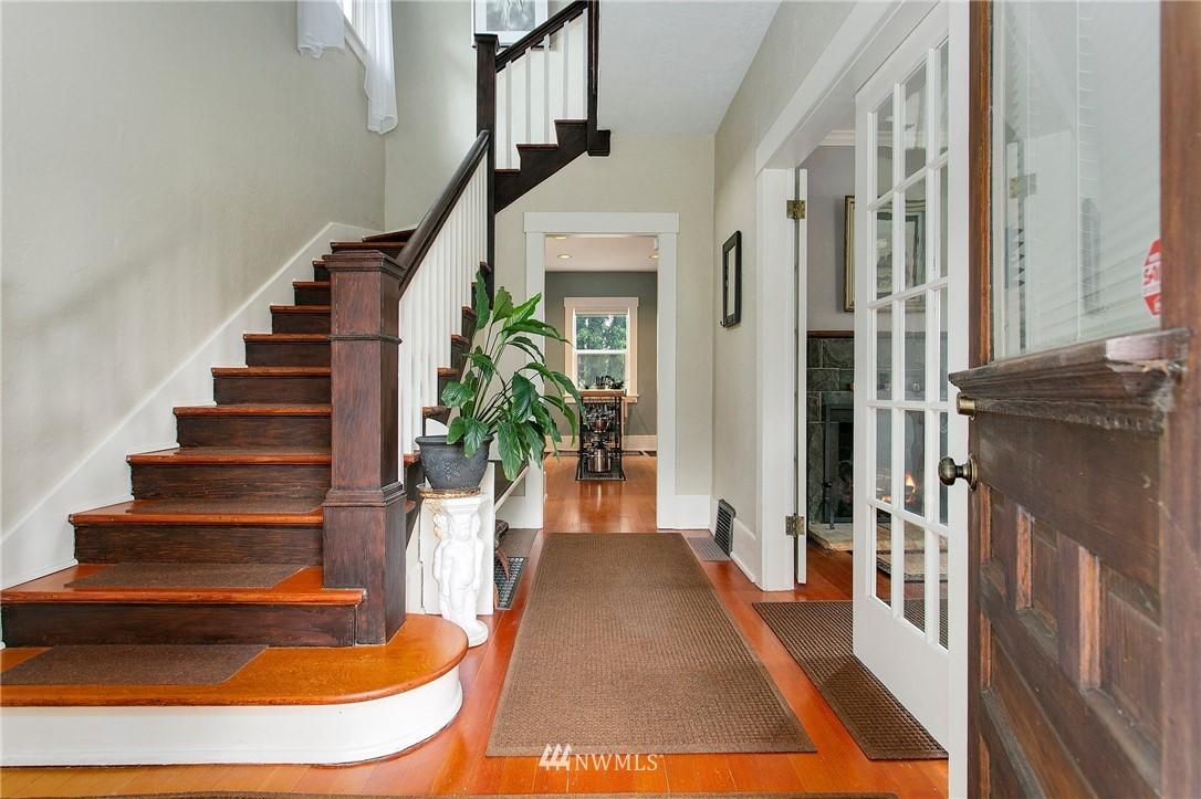 Sold Property | 1619 32nd Avenue Seattle, WA 98122 2