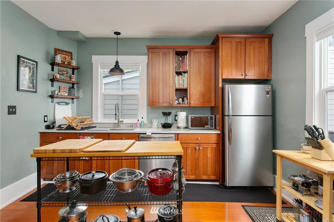 Sold Property | 1619 32nd Avenue Seattle, WA 98122 9