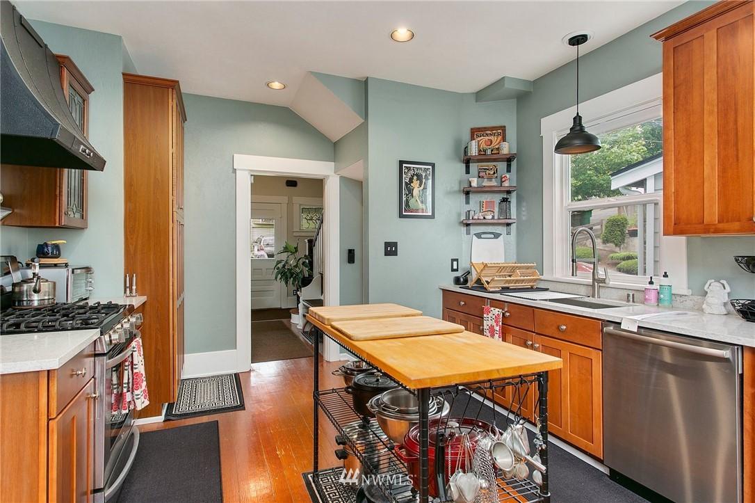 Sold Property | 1619 32nd Avenue Seattle, WA 98122 7