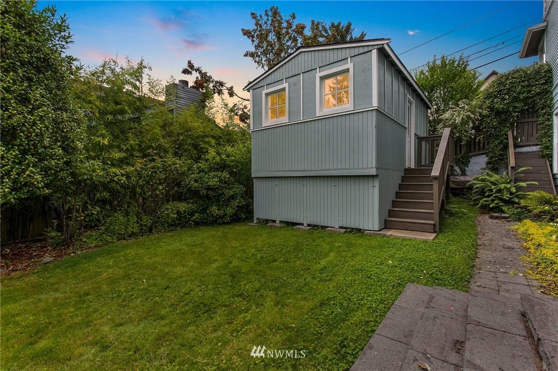 Sold Property | 1619 32nd Avenue Seattle, WA 98122 36