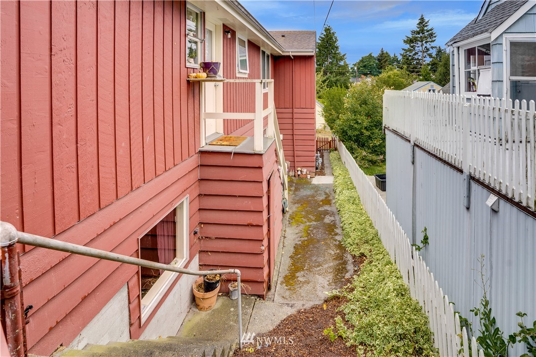 Sold Property | 8517 16th Avenue NW Seattle, WA 98117 25