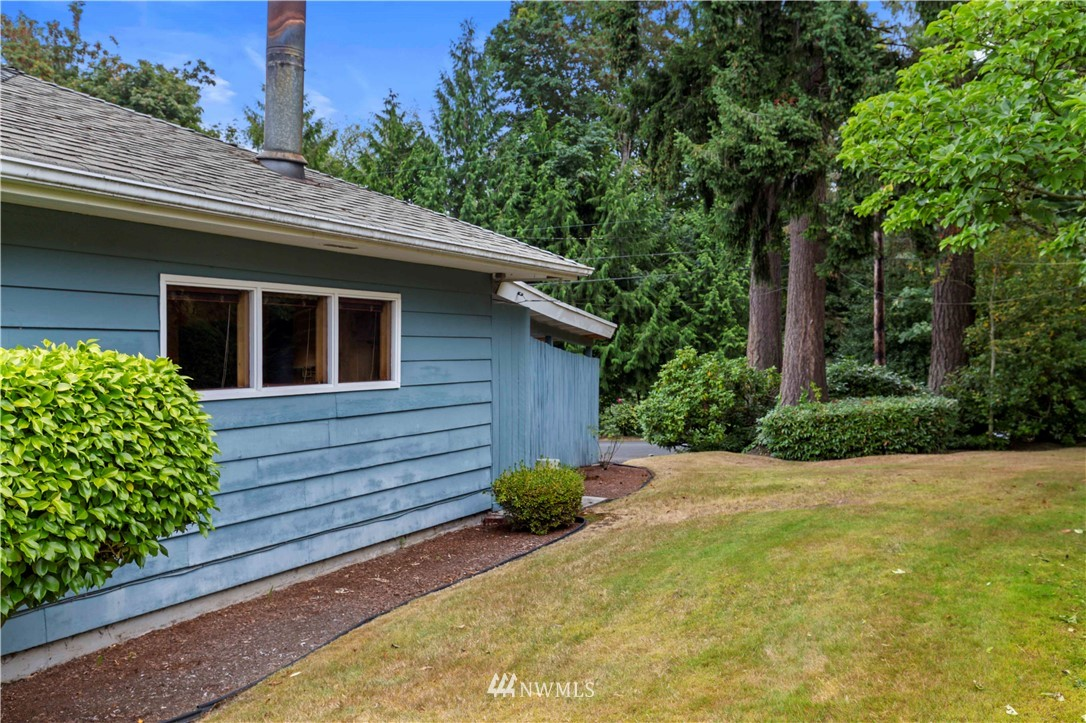 Sold Property | 780 Crown Drive Everett, WA 98203 27