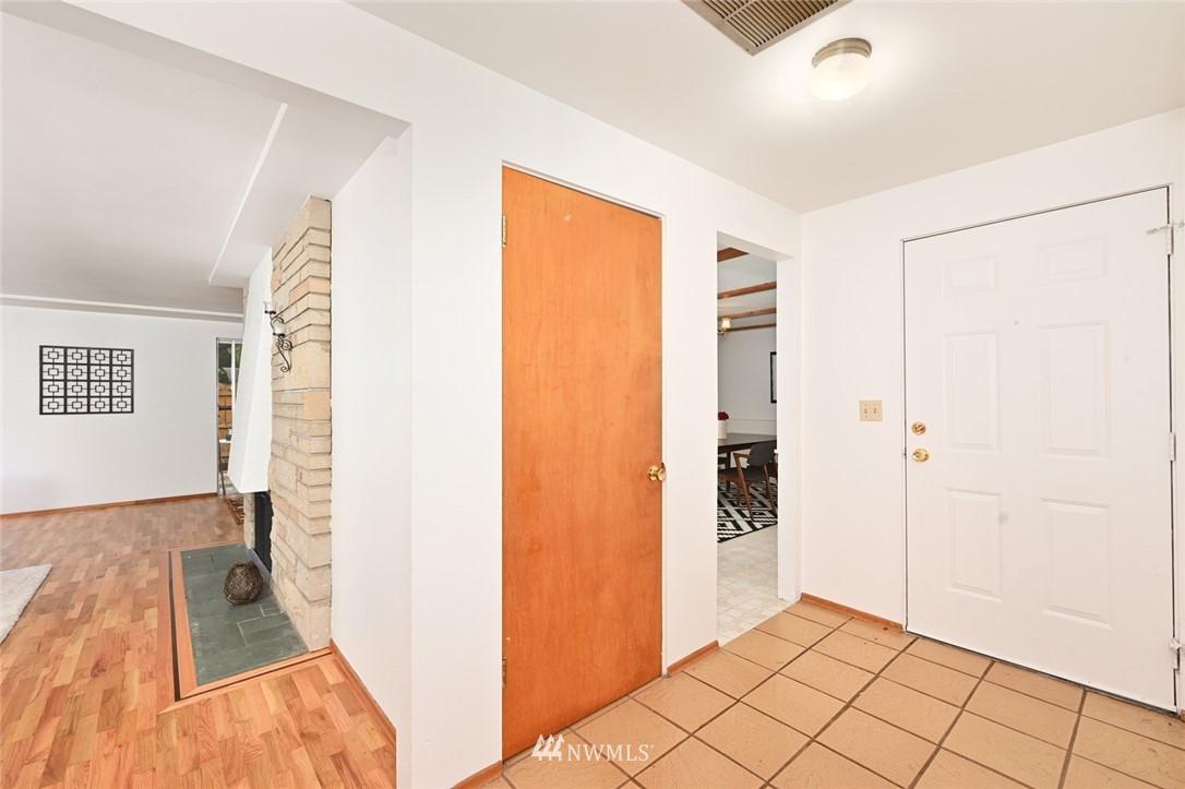 Sold Property | 13328 Corliss Avenue N Seattle, WA 98133 2