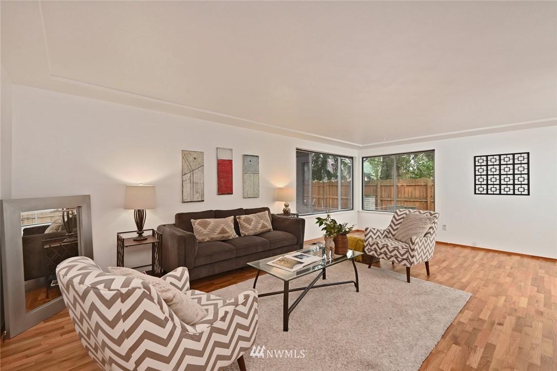 Sold Property | 13328 Corliss Avenue N Seattle, WA 98133 3