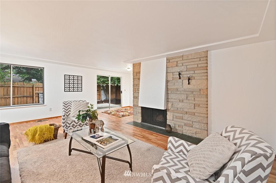 Sold Property | 13328 Corliss Avenue N Seattle, WA 98133 4