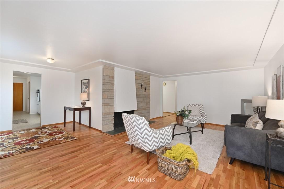 Sold Property | 13328 Corliss Avenue N Seattle, WA 98133 5