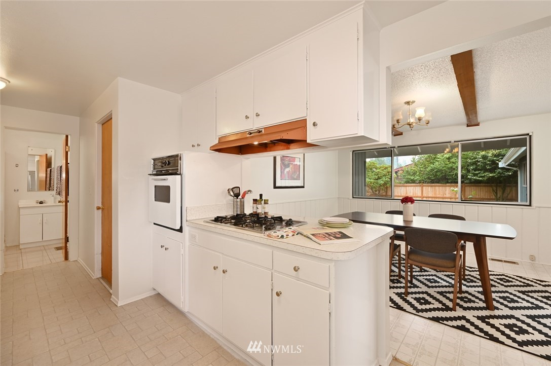 Sold Property | 13328 Corliss Avenue N Seattle, WA 98133 11