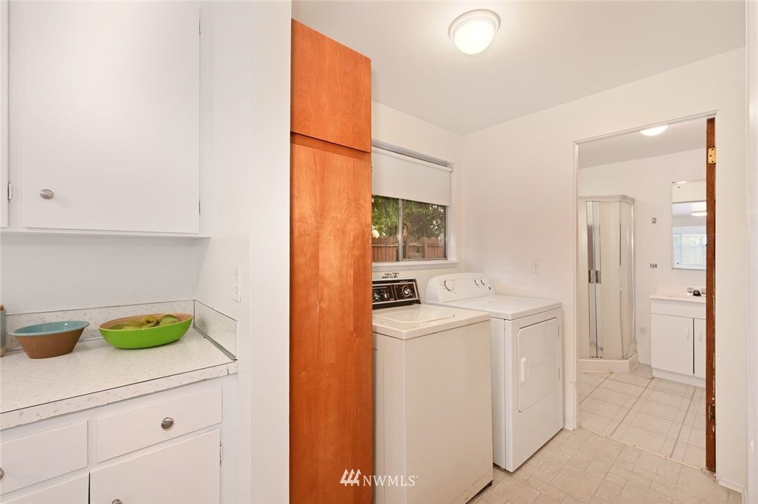 Sold Property | 13328 Corliss Avenue N Seattle, WA 98133 15
