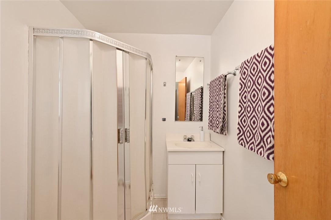 Sold Property | 13328 Corliss Avenue N Seattle, WA 98133 16
