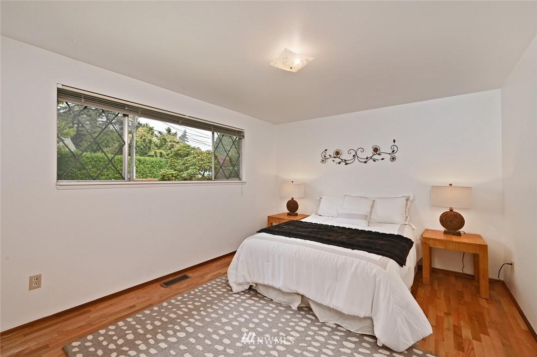 Sold Property | 13328 Corliss Avenue N Seattle, WA 98133 20
