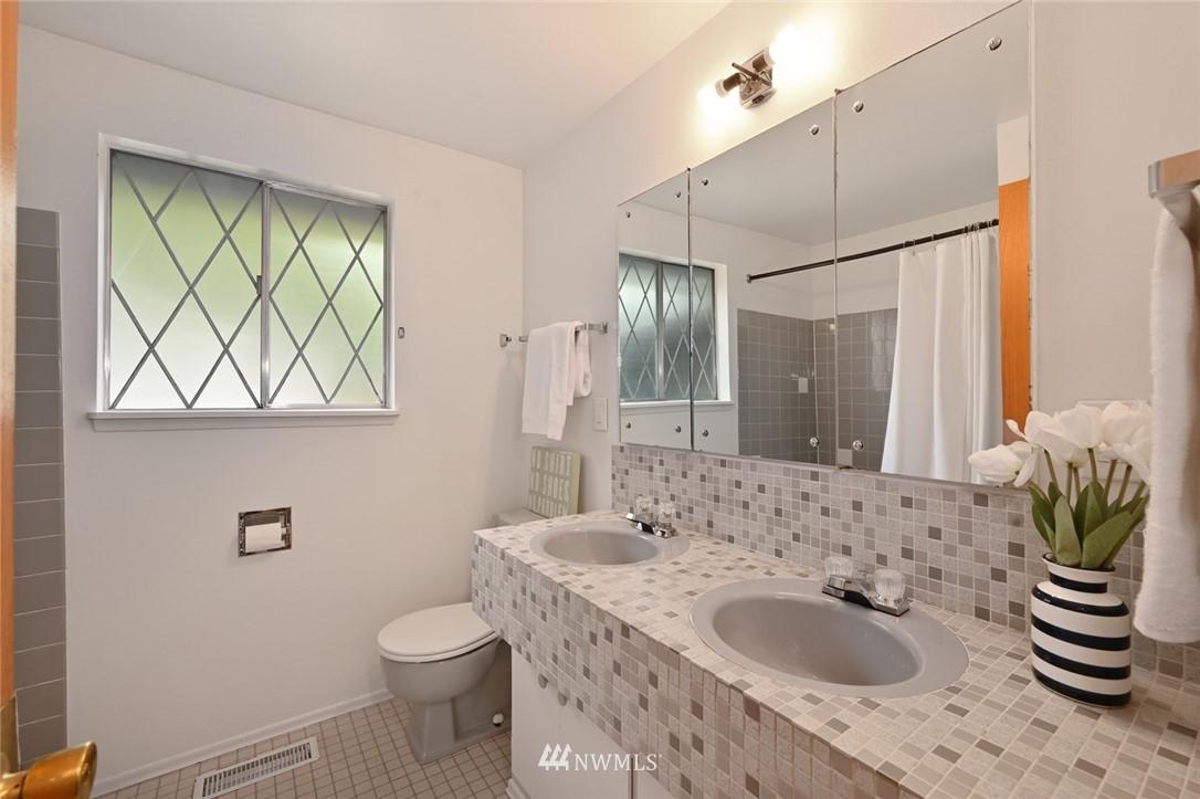 Sold Property | 13328 Corliss Avenue N Seattle, WA 98133 21