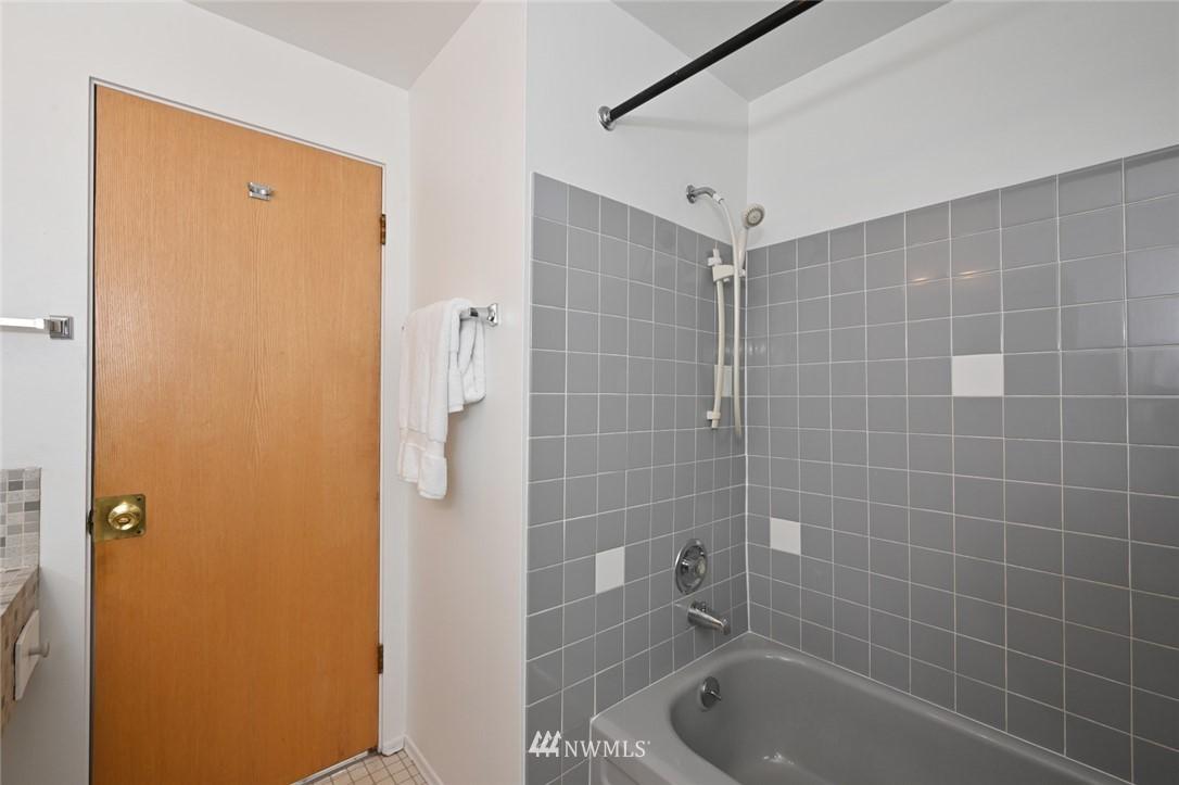 Sold Property | 13328 Corliss Avenue N Seattle, WA 98133 22