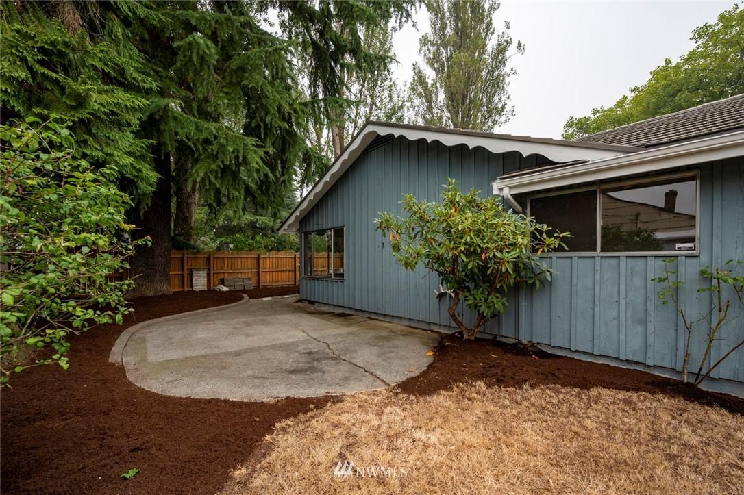 Sold Property | 13328 Corliss Avenue N Seattle, WA 98133 23