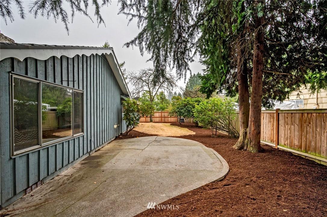 Sold Property | 13328 Corliss Avenue N Seattle, WA 98133 24