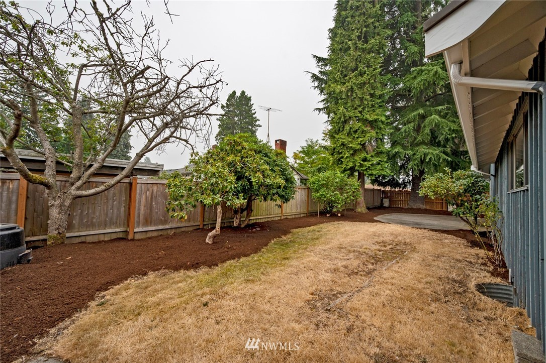 Sold Property | 13328 Corliss Avenue N Seattle, WA 98133 26