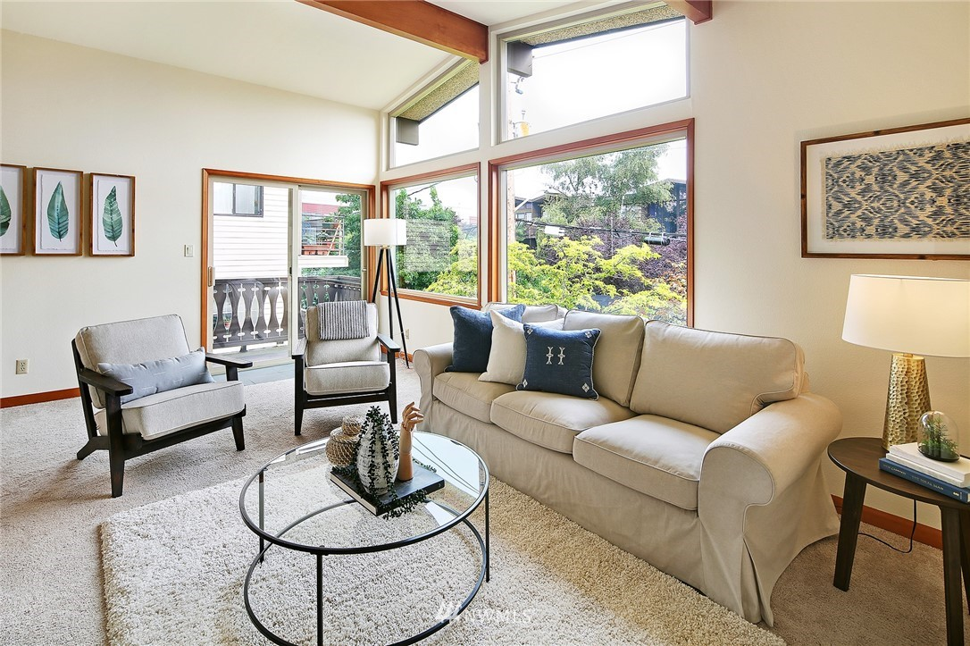 Sold Property   6557 4th Avenue NE #8 Seattle, WA 98115 2