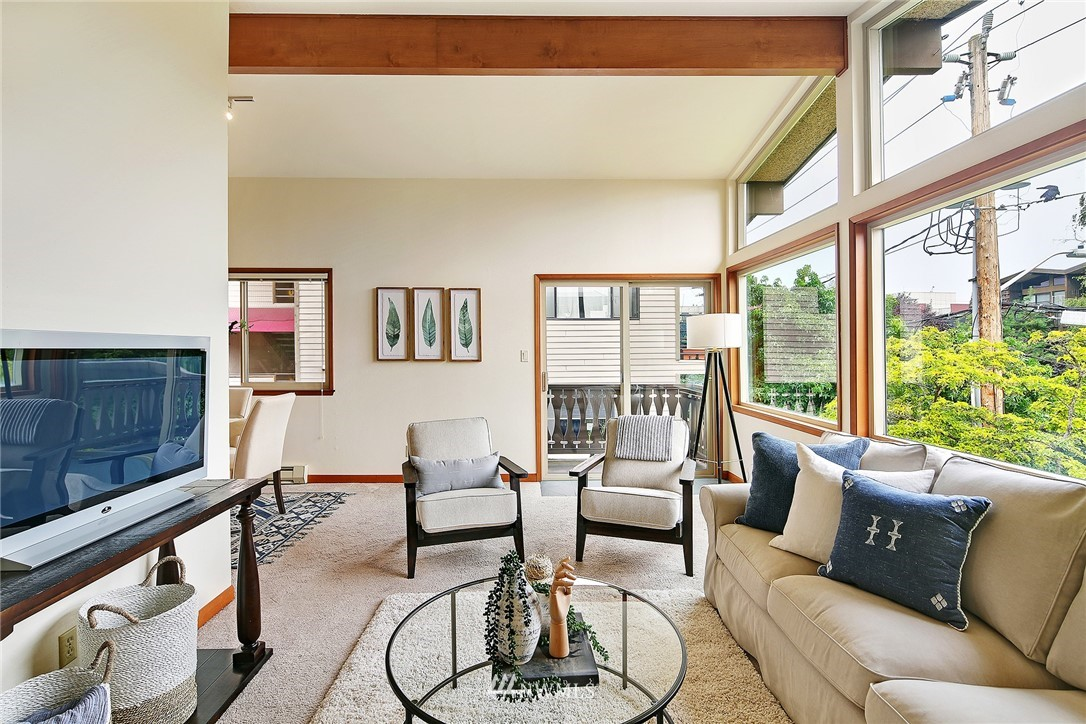 Sold Property   6557 4th Avenue NE #8 Seattle, WA 98115 3