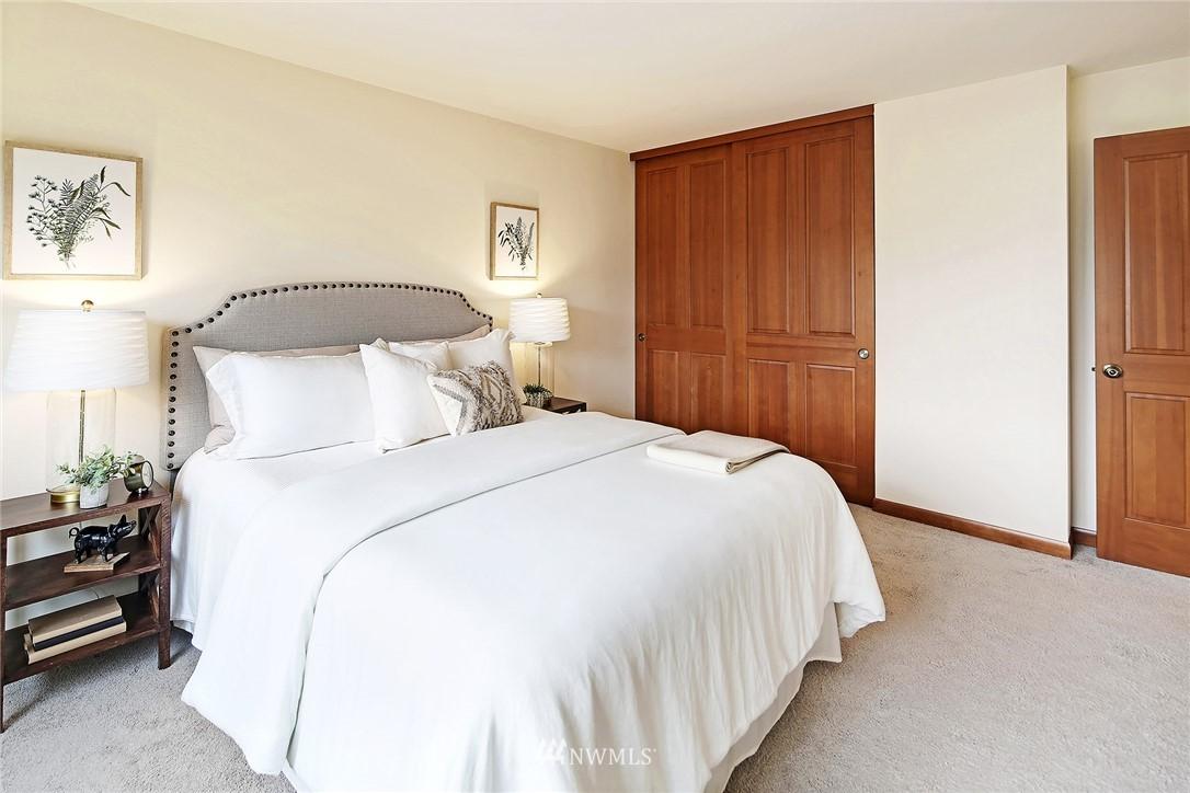 Sold Property   6557 4th Avenue NE #8 Seattle, WA 98115 8