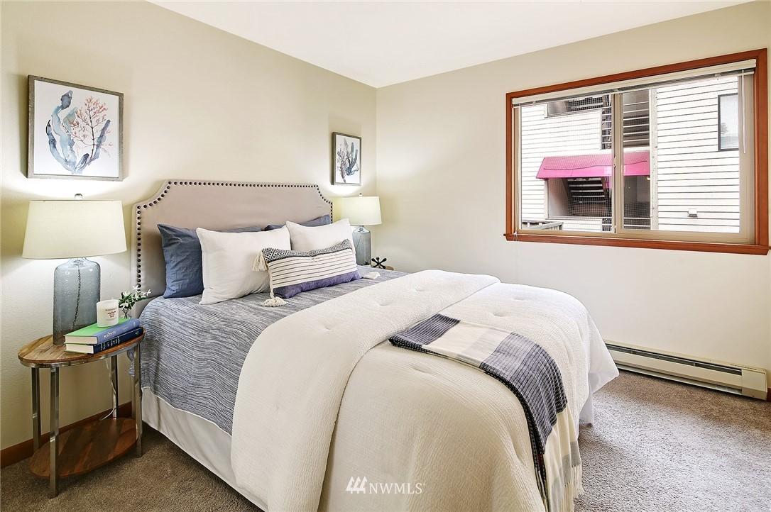 Sold Property   6557 4th Avenue NE #8 Seattle, WA 98115 9