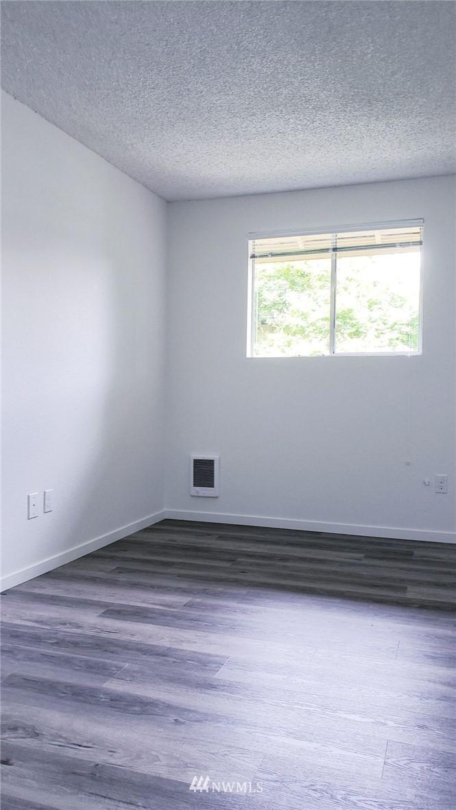 Sold Property | 11338 3rd Avenue NE Seattle, WA 98125 18