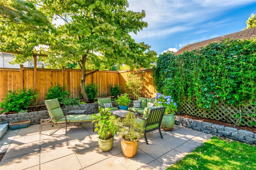 Sold Property | 5919 Kirkwood Place N Seattle, WA 98103 2