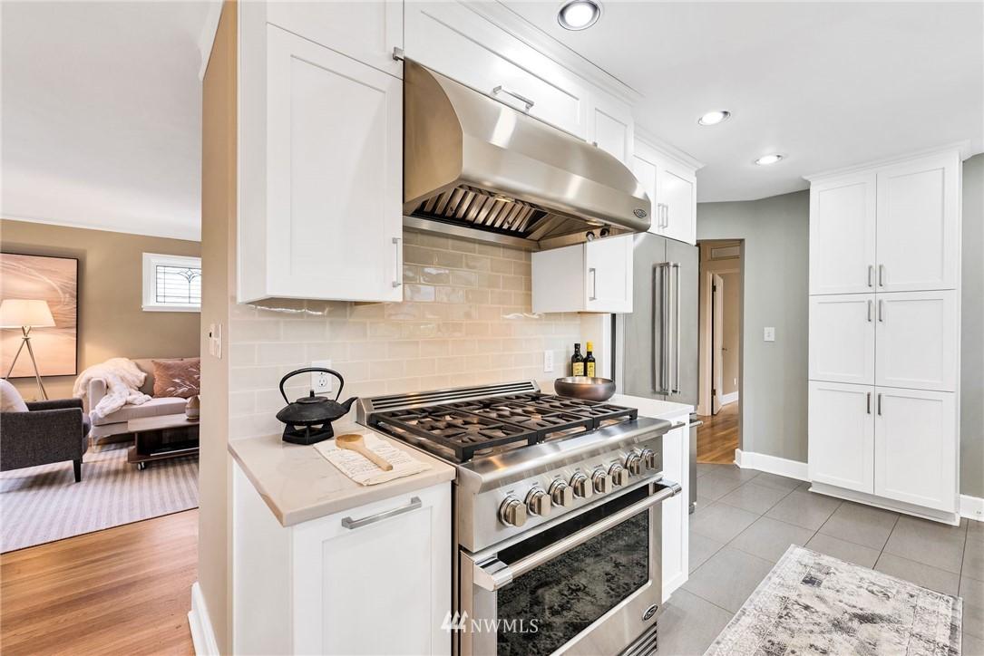 Sold Property | 5919 Kirkwood Place N Seattle, WA 98103 9