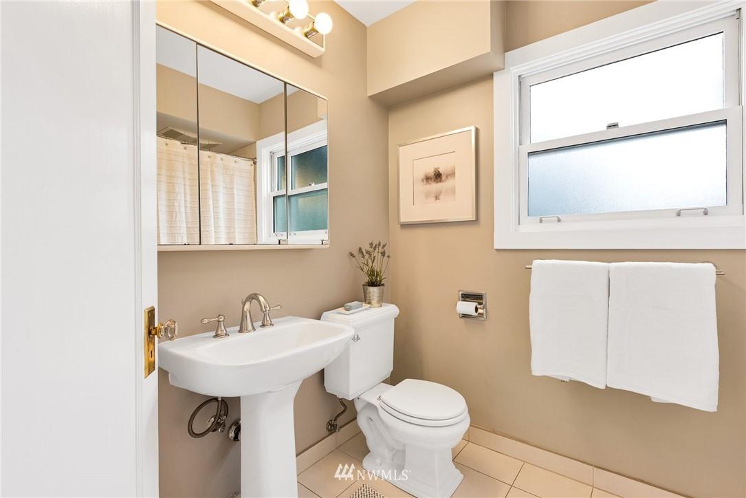 Sold Property | 5919 Kirkwood Place N Seattle, WA 98103 10