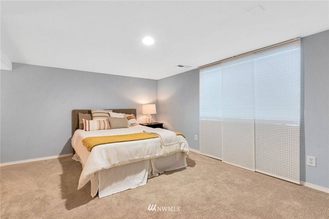 Sold Property | 5919 Kirkwood Place N Seattle, WA 98103 17