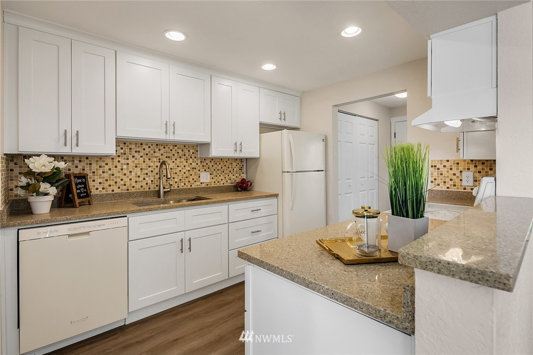 Sold Property | 9494 Red-Wood Road NE #B304 Redmond, WA 98052 3