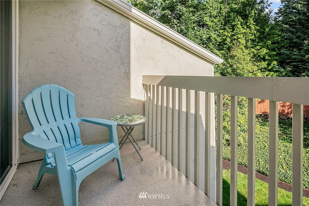 Sold Property | 9494 Red-Wood Road NE #B304 Redmond, WA 98052 5