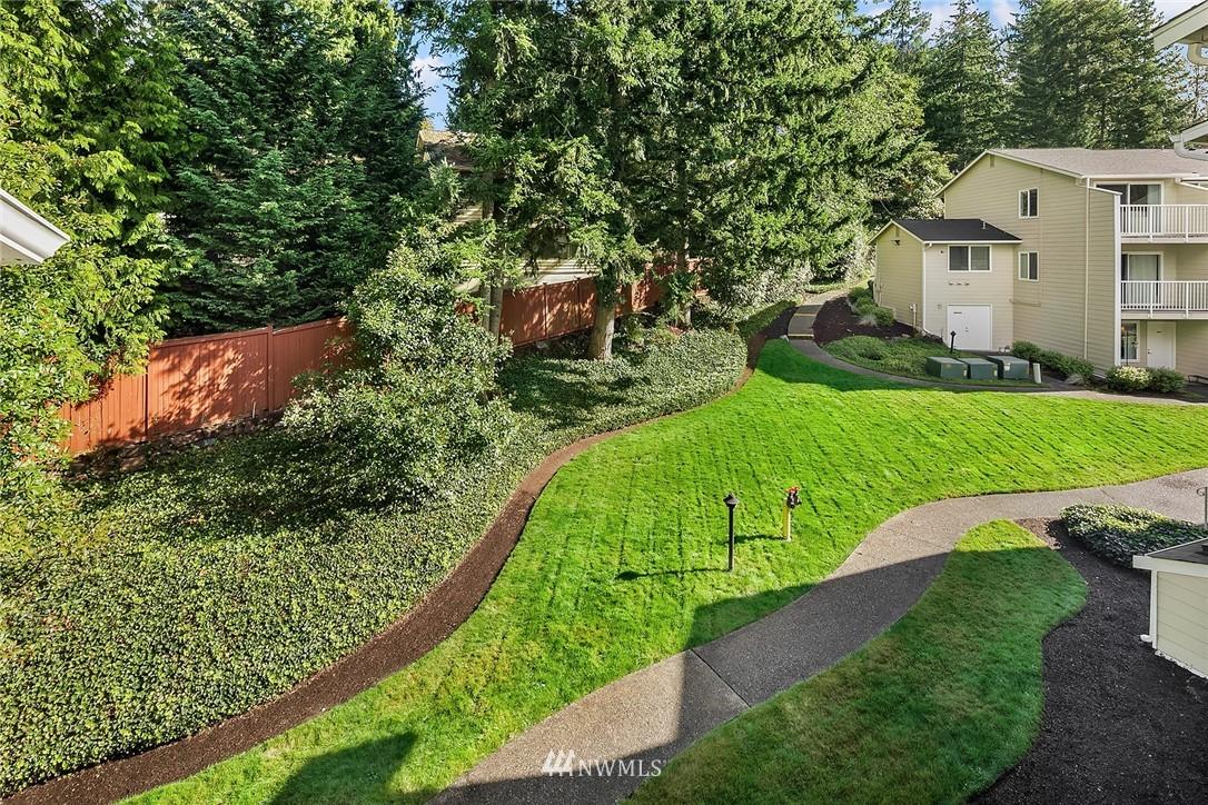Sold Property | 9494 Red-Wood Road NE #B304 Redmond, WA 98052 17