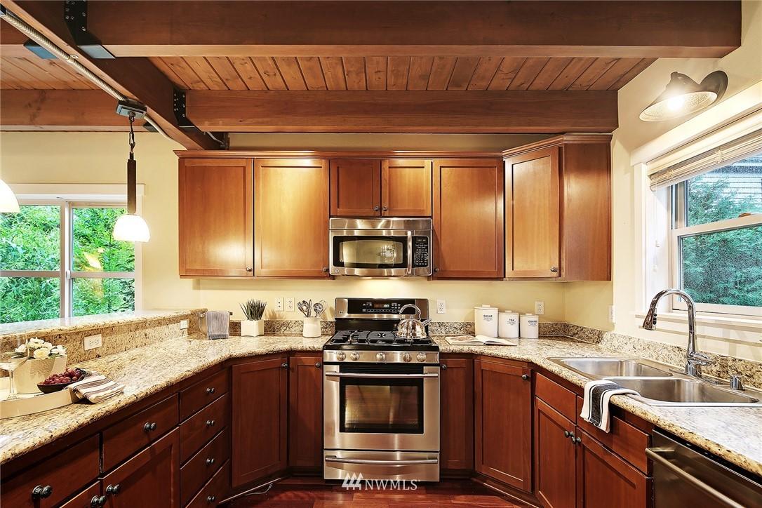 Sold Property | 838 NW 52nd Street #A Seattle, WA 98107 6