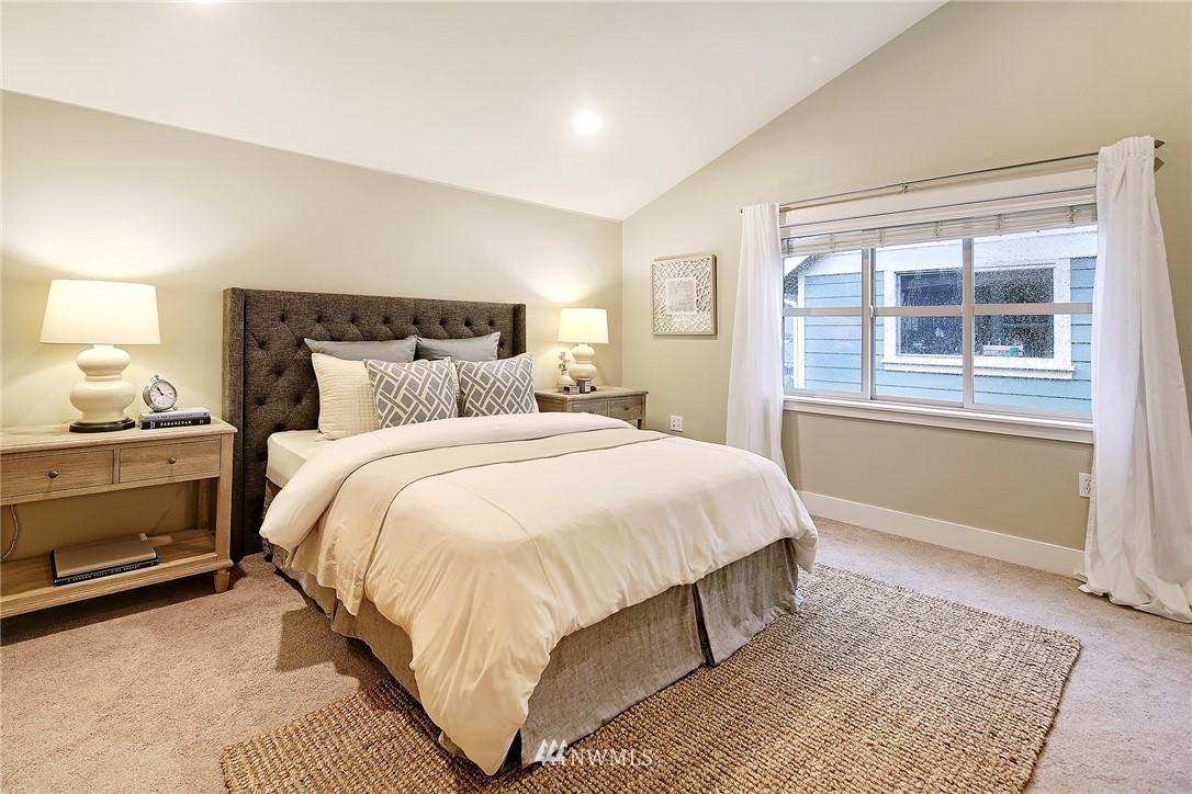 Sold Property | 838 NW 52nd Street #A Seattle, WA 98107 9