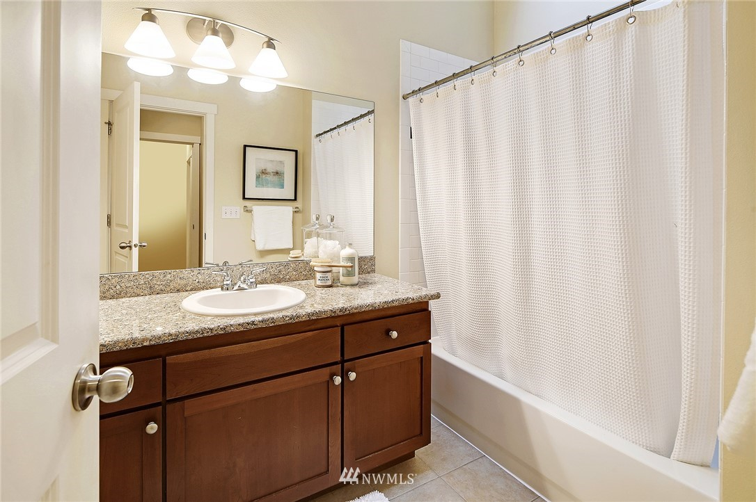 Sold Property | 838 NW 52nd Street #A Seattle, WA 98107 13