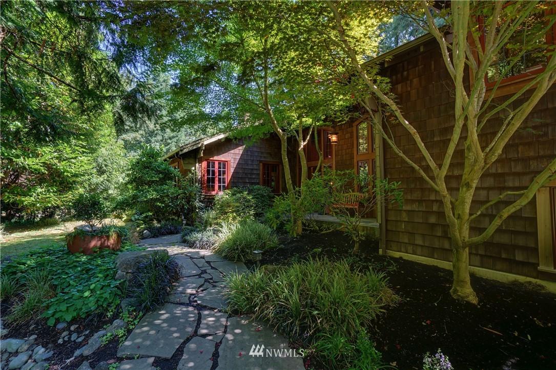Sold Property   2708 106th Place SE Beaux Arts, WA 98004 4