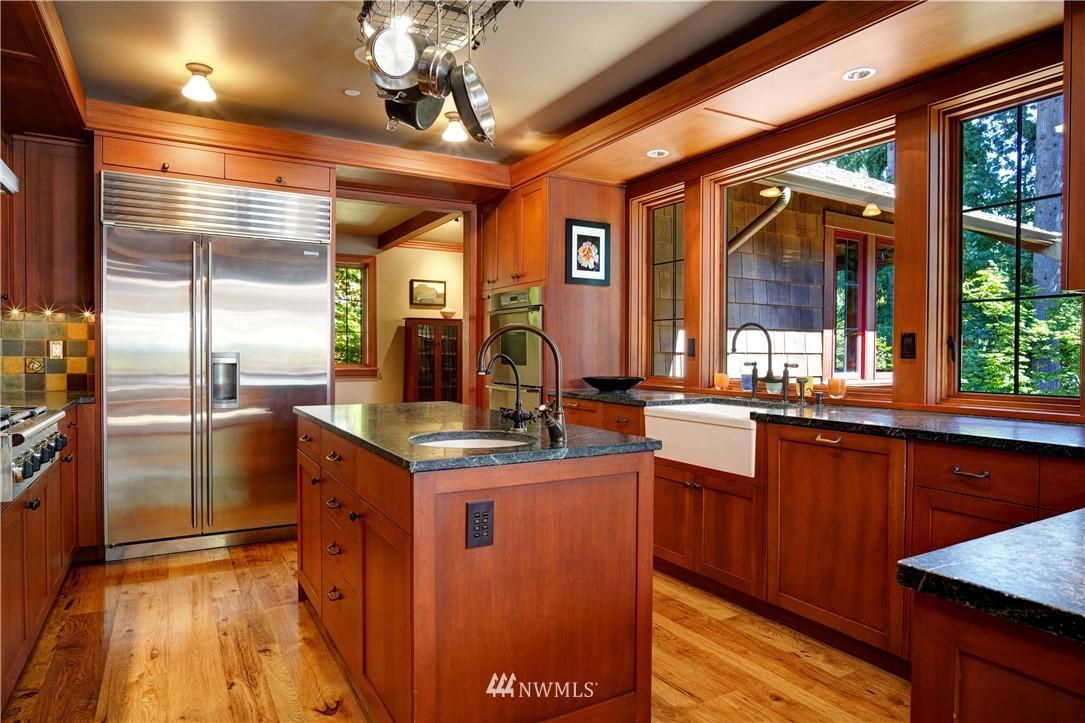 Sold Property   2708 106th Place SE Beaux Arts, WA 98004 15